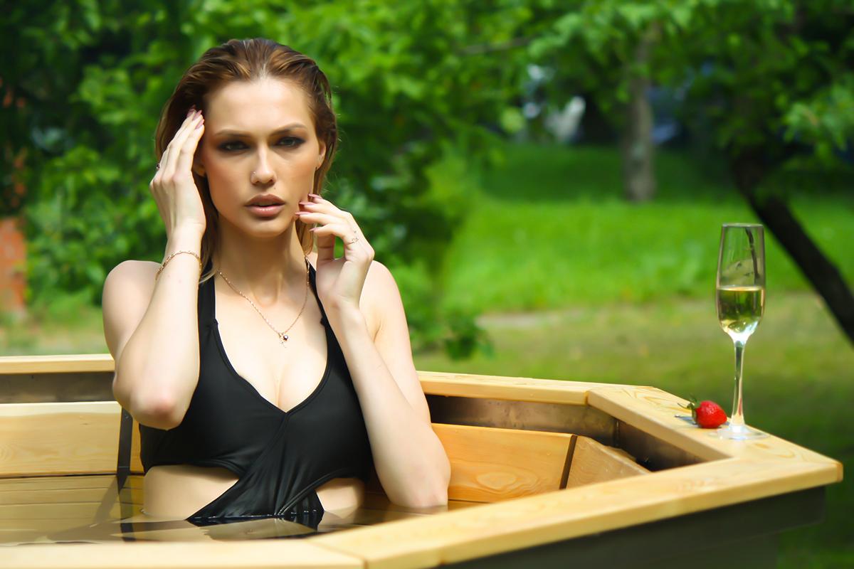 Модель Елена Любимая- банный чан 006