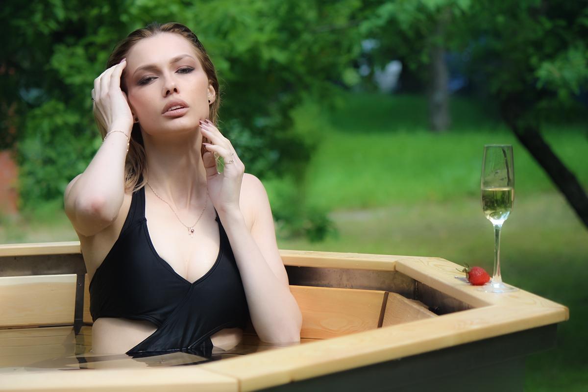 модель Елена Любимая- банный чан 002